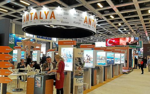 La riviera mediterránea turca, caso de Antalya, acapara todas las reservas para el verano.