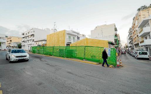 El Ayuntamiento de Santa Eulària ha decidido recuperar el pozo descubierto bajo las viviendas tumbadas y museizarlo, de forma que esté a la vista de los ciudadanos.