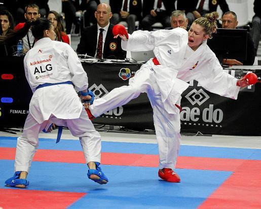 Cristina Ferrer, durante un combate del pasado Mundial de karate.