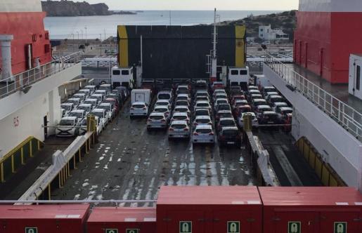 El Govern prevé prohibir la entrada de coches diésel en 2025