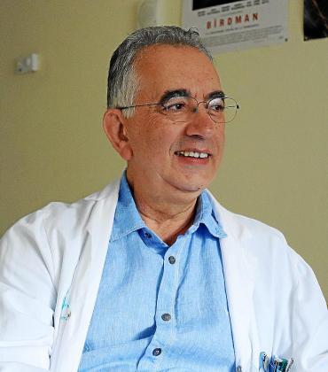 El neurólogo José Luis Perajua.