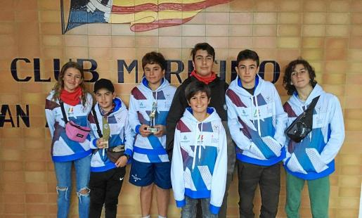 Una imagen de varios representantes del Club Surf Formentera en el Trofeu Illes Balears de Bic Techno, celebrado el fin de semana.