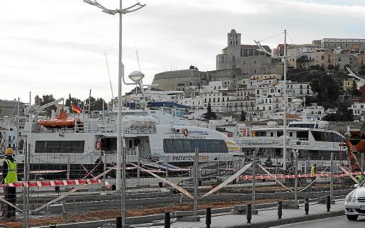Las distintas compañías de ferrys que unen a diario Ibiza y Formentera tuvieron que cancelar numerosas conexiones como medida de precaución.