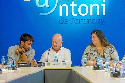 Valdés, Tur y Ribas durante la celebración de un pleno en Sant Antoni.