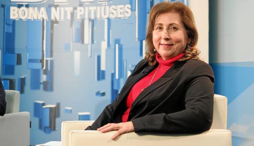 La delegada territorial de Educació, Margalida Ferrer, minutos antes de la entrevista en el BNP de anoche.