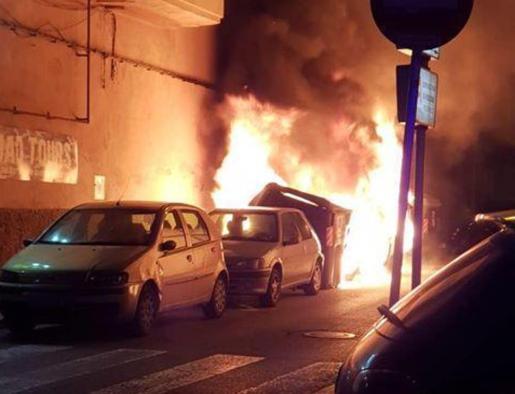 Imagen de archivo de uno de los incendios en el Arenal.