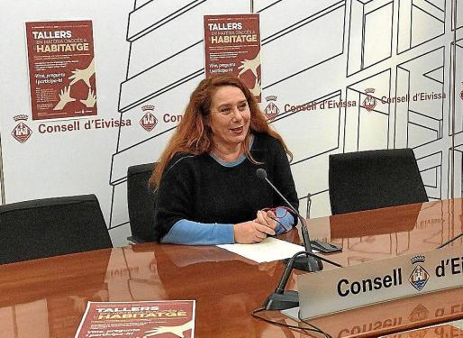 Viviana de Sans durante la presentación de las IV jornadas sobre vivienda.