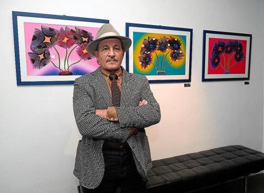 La muestra transmite alegría y color y se podrá visitar hasta el próximo 28 de febrero el en OD Ocean Drive de Marina Botafoch. Arriba, el artista.
