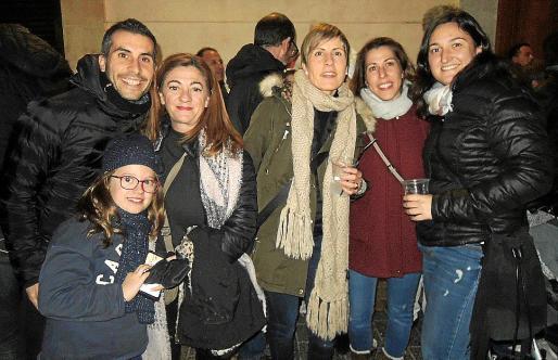 Xisco Aguiló, Raquel Oliver, Maria del Mar Martínez, Isabel Aguiló, Carmen Muñoz y Anna Serra.