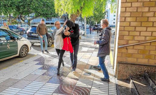 Imagen del traslado del principal sospechoso a los juzgados de Ibiza, el pasado 29 de noviembre.