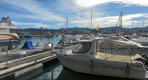 La ley plantea cambiar el puerto de categoría A (puerto comercial con uso y tráfico integral) a categoría C (deportivo, pesquero o mixto).