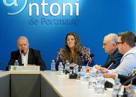 Cristina Ribas no entregó su acta de concejala y el alcalde de Sant Antoni no la cesó de sus funciones.