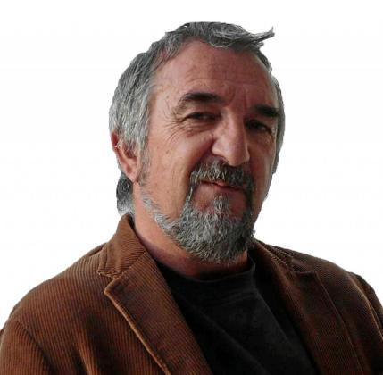 El escritor Juan Ballester.