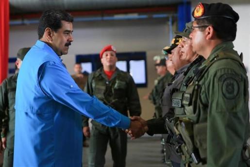 """Maduro rechaza el """"show"""" de la ayuda humanitaria y denuncia el bloqueo de """"casi 10.000 millones de dólares""""."""