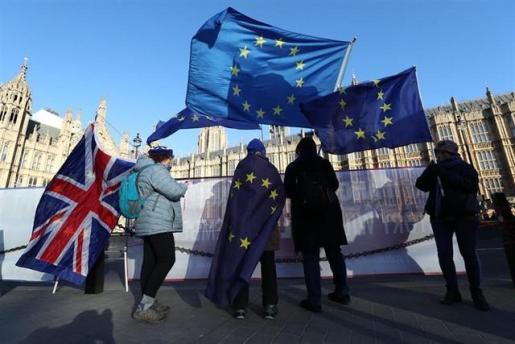 Un 53 por ciento de los británicos, a favor de posponer la salida de Reino Unido de la UE.