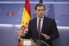 Rivera no pone «cordón sanitario» a Vox y llama a votar para cambiar a Sánchez por un presidente liberal