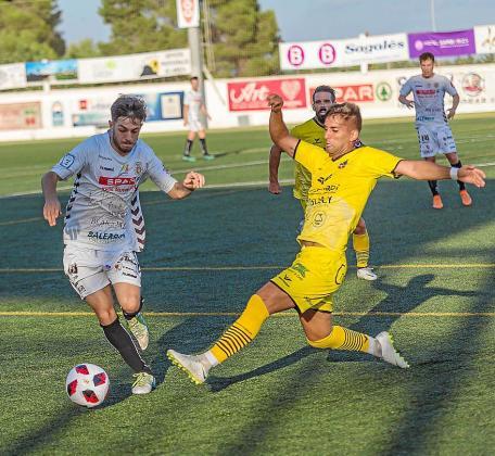 Un lance del partido de la primera vuelta entre la Peña y el Formentera.