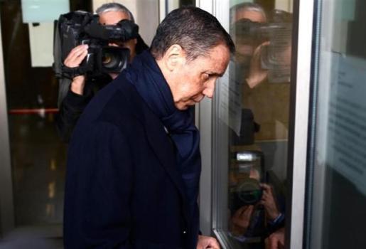 """Zaplana insiste en que no participó """"jamás"""" en """"adjudicaciones ilegales"""" ni tiene cuentas fuera de España."""