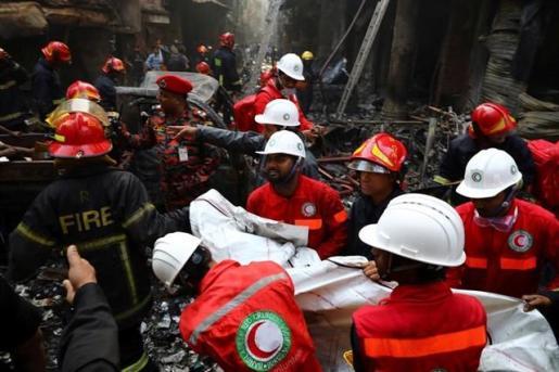 El incendio se ha declarado en una zona residencial de Daca