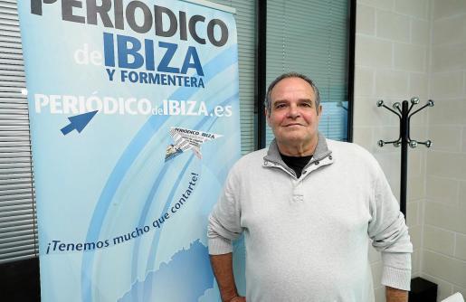 Aitor Morrás, candidato de Podemos a la alcadía de Vila, entrevistado en las instalaciones de Periódico de Ibiza y Formentera.