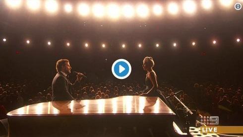 Lady Gaga y Bradley Cooper incendian los Oscars 2019 con su especial actuación de 'Shallow'.