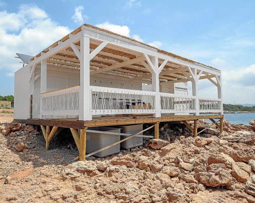 El chiringuito de Cala Gració no pudo abrir sus puertas el verano pasado.