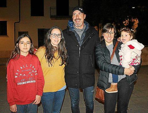 Lucas Viera, Elena Ballestero, Toni Salom, Xesca Comas y Julia Tomás.