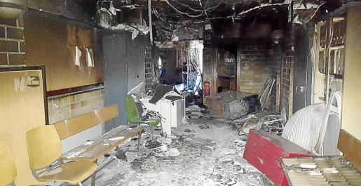 La segunda planta del edificio de Isidor Macabich fue la más afectada por el incendio declarado el pasado 21 de enero.