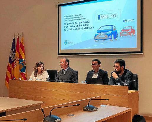 El presidente del Consell, Jaume Ferrer, informó ayer al Consell d'Entitats.
