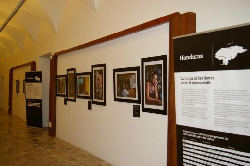 La exposición está formada por fotografías de Pep Bonet y un audiovisual de Nuria Abad y Miquel Eek.