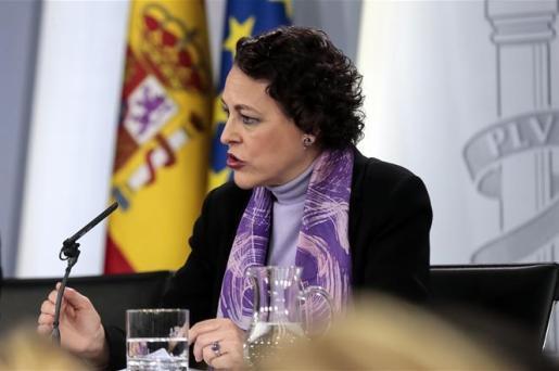 La ministra de Trabajo, Migraciones y Seguridad Social, Magdalena Valerio, durante la conferencia de prensa posterior al Consejo de Ministros.