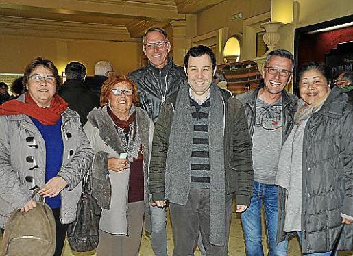 Marga Alcover, Encarna Bisbal, Robert Trube, Tomeu Alcover, Matias Trube y Aina Alcover.