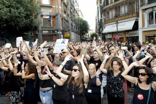 El STEI asegura que los recortes aprobados en la época de Mariano Rajoy y de José Ramón Bauzá, que provocaron protestas constantes entre los funcionarios, son los responsables de que el porcentaje de interinos llegue al 40 por ciento en algunos organismos.