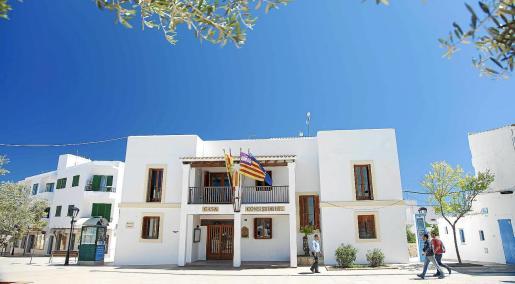 Sede del Consell Insular de Formentera, en la plaza de la Constitución de Sant Francesc.