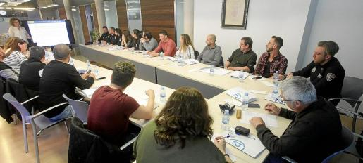 Una treintena de agentes de diferentes cuerpos policiales asistieron a la jornada sobre violencia de género en Sant Antoni.