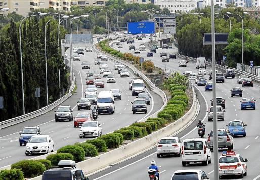 El parque automovilístico de Balears superó por primera vez el millón de vehículos en 2017 de acuerdo con los últimos datos publicados por el Institut Balear d'Estadística (Ibestat).