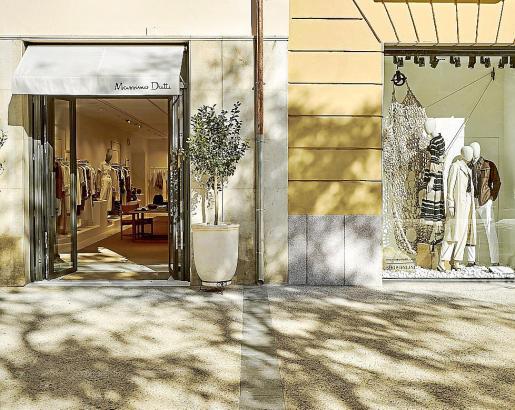 La tienda Massimo Dutti, ubicada en Vara de Rey 22-24, ya está abierta al público.