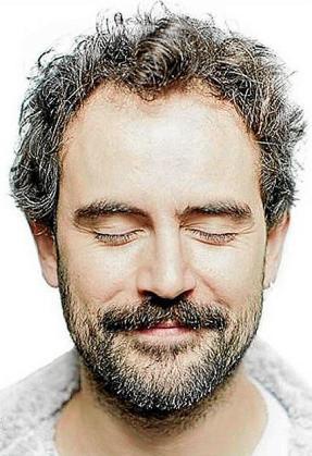 El actor catalán Pau Roca actúa en Can Jeroni