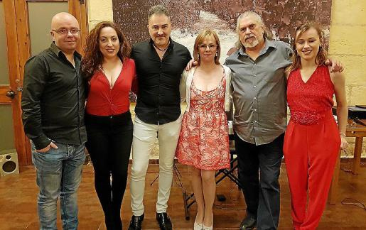 Patxi Zabalgo, Mayte Albores, Luis Oroz, Sandra Santana, Pedro Pons y Rocío Santana.