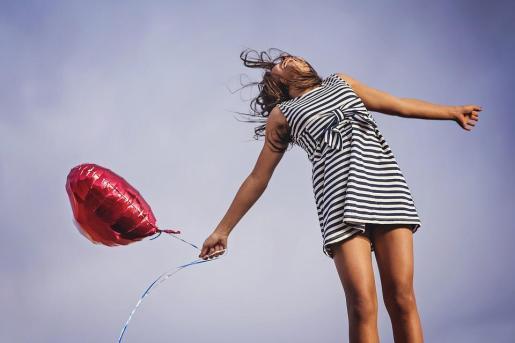 La felicidad es una de las principales «aspiraciones universales de los seres humanos», según se cita en la resolución aprobada por la Asamblea General de la ONU.