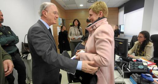 El presidente del TSJIB, Antoni Terrasa, durante su visita al Juzgado de Violencia sobre la Mujer, el pasado 26 de febrero.