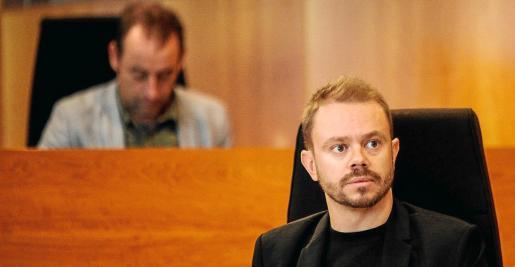 Los consellers David Ribas y Miquel Vericad, al fondo, han criticado abiertamente a los funcionarios del Consell.