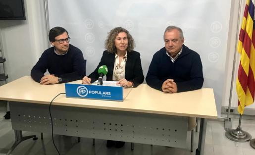 Imagen de archivo de representantes del PP de Sant Josep.