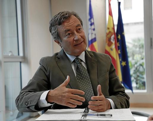 Joan Gual de Torrella defiende que el ciudadano necesita el mar, sea de derechas o de izquierdas.
