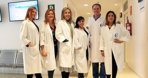 Imagen del equipo del Grupo Policlínica que está impartiendo las conferencias durante el mes de marzo.