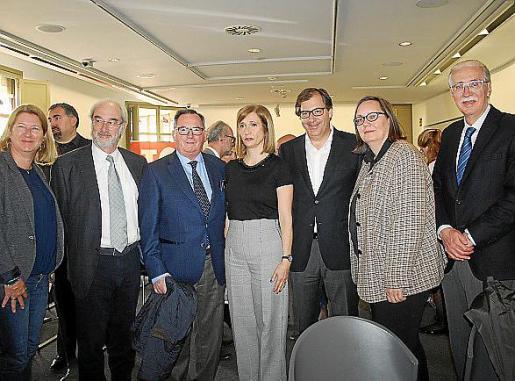 Ingrid Van de Reyt, Ramón Morey, Francesc Fiol, Alejandra Vanoli, Guillermo Dezcallar, Sabine Lammers y Pedro Comas.