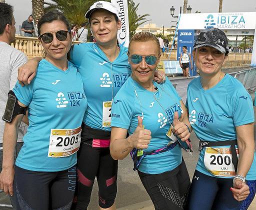 Un grupo de corredoras posa durante la edición del Ibiza 12K del año pasado.