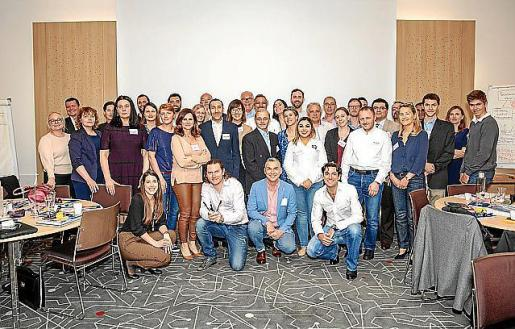 Aymà y Márquez, con los asistentes al evento en Mónaco.