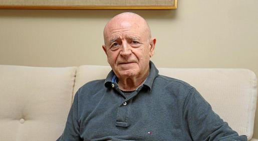 Abel Matutes Juan sigue acudiendo cada día a su despacho situado en Vila.