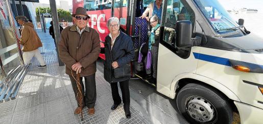 Vila recuperará las paradas en la ciudad de la línea de bus de Sant Jordi